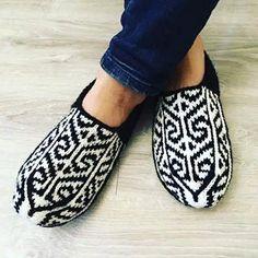 Grey Slippers, Knitted Slippers, Slipper Socks, Mens Slippers, Knitting Socks, Hand Knitting, Espadrilles, Etsy, Fashion