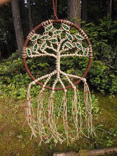 8 Inch Tree of Life Dreamcatcher от Evergreenbohemian на Etsy, $40.00