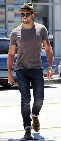 Casual cool: Jesse wore a hat which is fast becoming his favourite style accessory for his lunch date