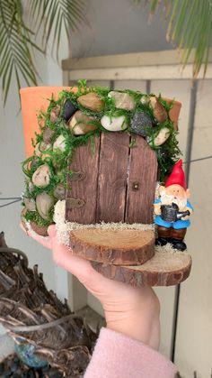 Flower Pot Crafts, Fairy Crafts, Clay Pot Crafts, Garden Crafts, Garden Projects, Flower Pots, Diy And Crafts, Clay Pot Projects, Flower Planters