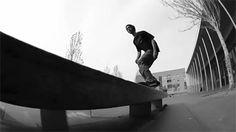 Mostly Skateboarding Skateboard Pictures, Skateboard Art, Skater Photography, Bufoni, Skating Pictures, Punk Subculture, Skate Gif, Skate Videos, Cool Skateboards