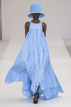 Nina Ricci Fall 2019 Ready-to-Wear Fashion Show – Sicely H. Nina Ricci Fall 2019 Ready-to-Wear Fashion Show Nina Ricci Fall 2019 Ready-to-Wear Collection – Vogue Trend Fashion, Blue Fashion, Look Fashion, Runway Fashion, Spring Fashion, High Fashion, Autumn Fashion, Fashion 2018, Milan Fashion
