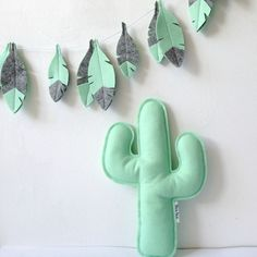 Perfect for that Adventure Nursery - Baby Shower Gift set with a feather garland and a cactus softie by LilyRazz on Etsy.. Check out soon!