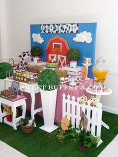 Amazing table at a farm birthday party! See more party planning ideas at CatchMyParty.com!