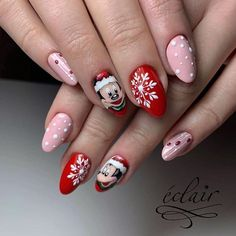 Festive Christmas Nail Art Ideas – Page 24 – Cocopipi Mickey Mouse Nail Design, Mickey Mouse Nails, Disney Christmas Nails, Holiday Nail Art, Love Nails, My Nails, Finger, Luxury Nails, Winter Nails