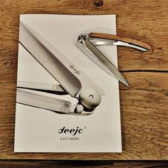 Stylish and minimalist. See the entire Deejo pocket knife range here.