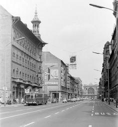 Rákóczi út Budapest Rákóczi út a Kiss József utcától a Keleti pályaudvar felé. 1976