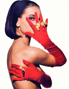supermodelshrine: Gretha by Michael Wirth, Red gloves 90s Models, Fashion Models, Fashion Beauty, Fashion Images, 90s Fashion, Glamorous Chic Life, Red Gloves, Black Gloves, Jewelry Editorial