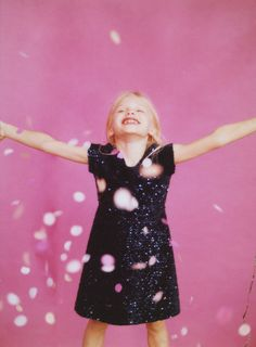 PARTY | KIDS-KIDS-EDITORIALS | ZARA United States Holidays With Kids, Zara United States, Kids Events, Kind Mode, Kids Christmas, Sequin Dress, Kids And Parenting, Children Photography, Editorial Fashion
