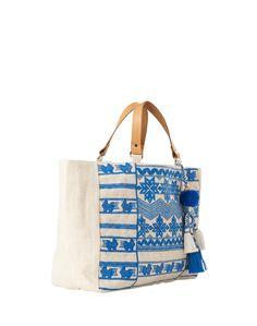 Diese Tasche ist einfach nur toll für den Strand! @aboutyoude http://dein.aboutyou.de/p/star-mela/jutetasche-mit-stickereien-leila-2215591?utm_source=pinterest&utm_medium=social&utm_term=AY-Pin&utm_content=2016-04-KW-19&utm_campaign=Summer-Board