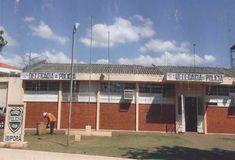 Assim como na cadeia de Ibaiti, a Cadeia Pública de Ibiporã também registrou fuga de presos. Segundo a Polícia Civil, aproveitando o barulho da forte chuva da madrugada desta terça-feira (13), três detentos serraram o trinco de ferro e fugiram da carceragem