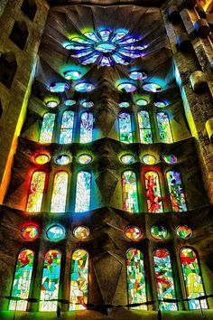 Sagrada Família (Basilica of the Holy Family) - by Gaudi - Rose window and stained glass windows glowing w light! Stained Glass Church, Stained Glass Art, Stained Glass Windows, Mosaic Glass, Amazing Architecture, Architecture Details, Antonio Gaudi, Art Nouveau, Art Deco