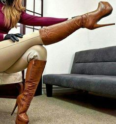 ☞ Find more Wear scarves, party clothing and spring Wear, shirt outfits and dresses outfit. And more womans dresses, leather coin purse and tall brown leather boots. Thigh High Boots, High Heel Boots, Shoes Heels Boots, Heeled Boots, Bootie Boots, Hot High Heels, Platform High Heels, Platform Boots, Botas Sexy