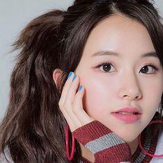 クリックすると新しいウィンドウで開きます Guys And Girls, Kpop Girls, Cute Girls, Cool Girl, Her Cut, Cut Her Hair, South Korean Girls, Korean Girl Groups, Chaeyoung Twice