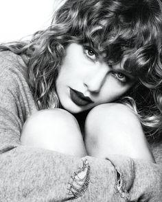 """1abd43526f37f """"Mais uma foto promocional de Taylor Swift para o Quem aí já está  viciadíssimo no disco"""