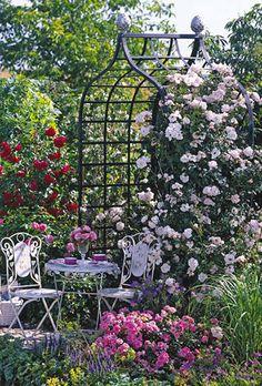 Victorian Rose Arbou