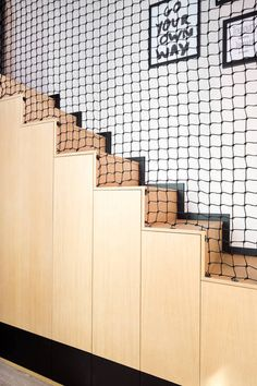 Staircase Railings, Modern Staircase, Stairs, Interior Design Living Room, Living Room Decor, Bedroom Decor, Mezzanine Bed, Cool Room Decor, Craft Fair Displays