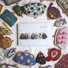 リネンバード二子玉川店の展示、終了しました。 沢山の方にお越し頂き感激です。 次は、7日から東京蔵前にあるガマ口金問屋の角田商店さん( @tsunoda.shouten )で展示が始まります。 問屋さんに興味がある方、この機会に是非。 角田商店さんは、色んな材料があるので楽しいですよ。 . . . #刺繍とがま口 #角田商店 #がま口 #embroidery #刺繍 #刺しゅう