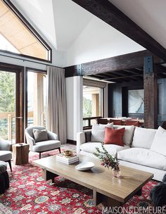 See how interior designer Alda Pereira refreshed this well-loved family ski chalet to better suit the family's entertaining lifestyle. Transformers, Double Sided Fireplace, Old Fireplace, Leather Headboard, Chimney Breast, Refuge, Ski Chalet, Design Moderne, Pereira