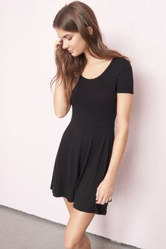 Dressed to chill - Black Keyhole Fit & Flare Dress