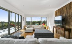 We offer personal lifestyle concierge, Professional house staging & airbnb property management service for help you achieve your good house in Melbourne.