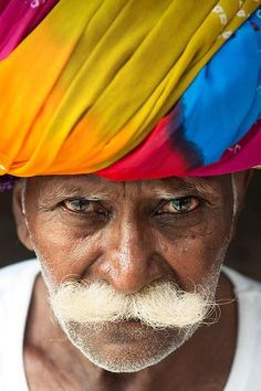portrait  of a beautifull Rajastani old  man in the holy city of Pushkar