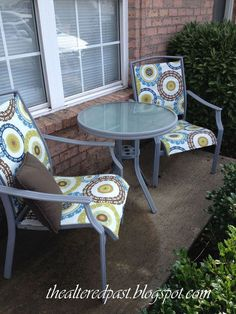 Spain Hill Farm: Patio Set Redo Replace the fabric in your patio sling chairs… Patio Table, Patio Chairs, Outdoor Chairs, Outdoor Furniture Sets, Outdoor Decor, Furniture Ideas, Diy Patio, Adirondack Chairs, Dyi Tables