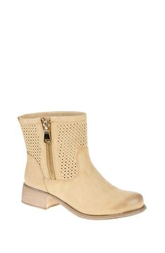 Perforated Ankle Boots With Zip Detail  http://jessyss.com/shoes/ankle-boots/1020501743.html?barva=