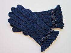 Gloves wool with seed beads, handmade