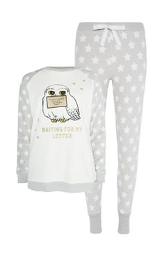 For nighties so gorge you'll want to wear them all day, shop our night dress range. Pijamas Harry Potter, Harry Potter Pyjamas, Harry Potter Outfits, Cute Pjs, Cute Pajamas, Pajamas Women, Lazy Day Outfits, Summer Outfits Women, Casual Outfits