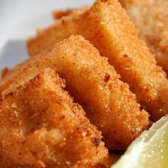 Shrimp toast is all about crispy, golden brown, slices of fried bread with a vaguely shrimpy but very allium-heavy coating. Shrimp Dishes, Shrimp Recipes, Fish Recipes, Asian Recipes, Jelly Recipes, Vietnamese Recipes, Snacks Recipes, Chinese Recipes, Ethnic Recipes