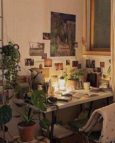 Room Design Bedroom, Room Ideas Bedroom, Bedroom Inspo, Bedroom Decor, Cute Room Decor, Study Room Decor, Indie Room, Pretty Room, Vintage Room