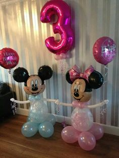 Minnie and mickey Minnie Mouse Birthday Theme, Frozen Themed Birthday Party, Minnie Mouse Party, Birthday Balloons, Balloon Decorations Party, Balloon Garland, Birthday Decorations, Minnie Mouse Balloons, Disney Balloons