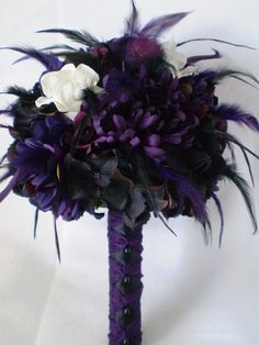 TWILIGHT Wedding Bouquet With Feathers par Ardesign sur Etsy, $120,00-Possible centerpieces