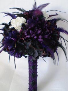 TWILIGHT Wedding Bouquet With Feathers par Ardesign sur Etsy, $120,00-Possible centerpieces