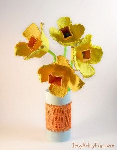 Who knew thrifty could be so cute? Egg Carton Daffodils!