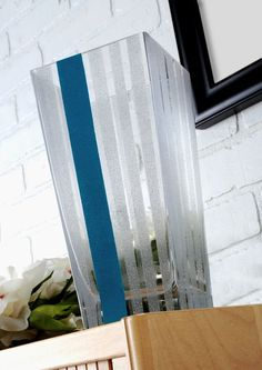Modern painted glass vase - very easy! I can't wait to try this.