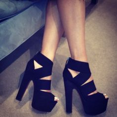 LOVE THE SHOES!!! <3 :)