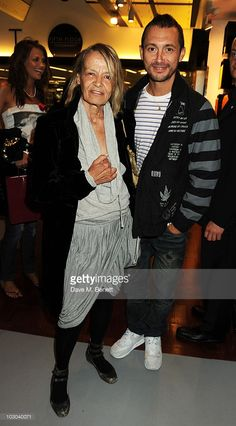 anita-pallenberg-and-dan-macmillan-attend-the-marc-jacobs-fragrance-picture-id103040071 (566×1024)