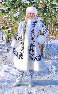 "Снегурочка ""Снежные узоры в шапочке"" Scandinavian Embroidery, Russian Winter, Theatre Costumes, Winter Photos, Kinds Of Clothes, Russian Fashion, Drawing Clothes, Folk Costume, Barbie Clothes"