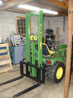 Small Tractors, Compact Tractors, Old Tractors, Lawn Tractors, Walk Behind Tractor, John Deere Garden Tractors, Garden Tractor Attachments, John Deere 318, Homemade Solar Panels