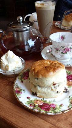 Devonshire Cream Teas ans scone with shabby chic plates... Heaven