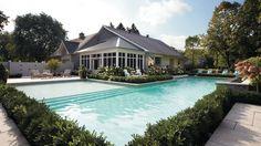 Inspirations déco: Piscines extérieures | CHEZ SOI @TVA Publications | Yves Lefebvre #deco #exterieur #piscine #terrasse