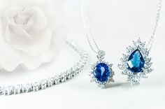 Precious jewelry. Diamonds. Diamantové šperky. Diamanty.  #necklace #jewelry #diamond #sperky #nahrdelnik #diamant Garnet, Jewelry Sets, Bracelets, Necklaces, Sapphire, Fashion Jewelry, Rose Gold, Earrings, Silver
