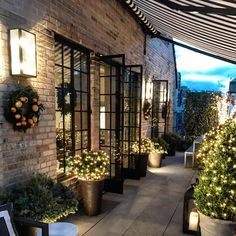 This week's links + loves - this gorgeous outdoor patio makeover from Lavin Label