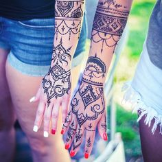 Henna @veronicalilu style for the lovely @addaw and her friend!  #henna #henna_i…