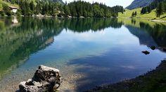 In de prachtige natuur van Zwitserland kunt u onder andere genieten van de prachtige natuur. Ook beschikt Zwitserland in de winter over een  groot aanbod aan skipistes. Daarom is Zwitserland zowel in de de zomer als in de winter zeer geliefd onder de natuur en/of wintersportliefhebbers. http://www.heerlijkehuisjes.nl/nl/vakantiehuizen-zwitserland