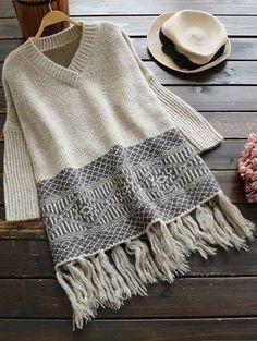 V cuello del suéter de las borlas de Jacquard