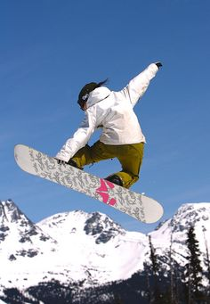 Frédérique's favourite sport: Snowboarding & Skiing -- she's been doing it for 25 years!