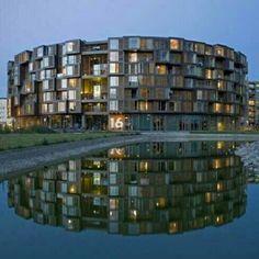 Residência Estudantil Tietgen, em Copenhague, Dinamarca. Projeto de Lundgaard & Tranberg Arkitekten. #arts #architecture #arte #arquitetura #decor #design #decoração #interiores #interior #projetocompartilhar #shareproject #wood #confort #conforto #madeiraeconforto #madeira